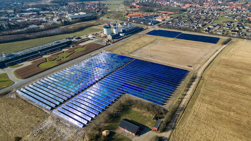 Tanskan kaukolämpöyhtiöt panostavat hajautettuun uusiutuvaan energiaan