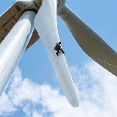 Kestävään energiatalouteen siirtyminen toisi miljardien taloudelliset tuotot