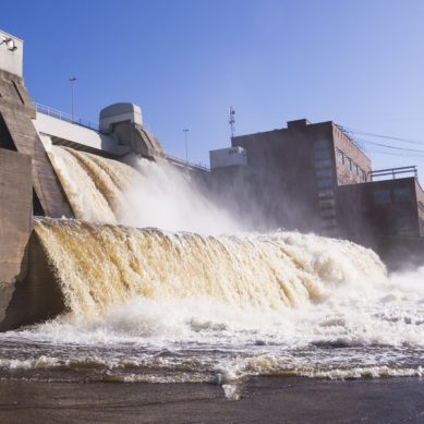 Sähkövuosi 2016: pientä kasvua, ennätysmäärä tuontia ja kolmannes lisää tuulta