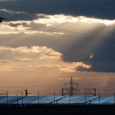 20% pudotus Euroopan aurinkosähköasennuksissa – koko maailmassa 50% kasvu