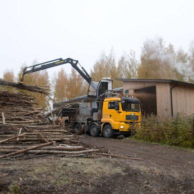 Koneyrittäjä-lehden artikkeli: Työtä ja toimeentuloa bioenergiasta