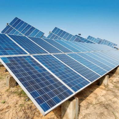 Aurinkoenergia oli maailman vuoden 2017 energiainvestointien vahva veturi