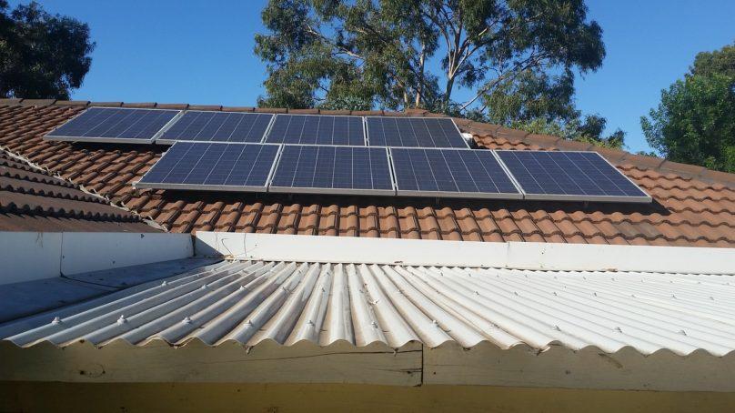 Vanhuksia huijataan edelleen aurinkovoimaloiden kaupoissa