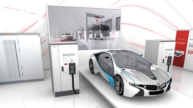 ABB julkisti 350 kW sähköautojen pikalaturin Hannoverin messuilla
