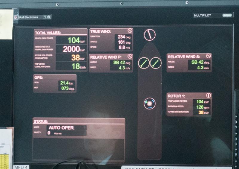 RX100-105784_monitori