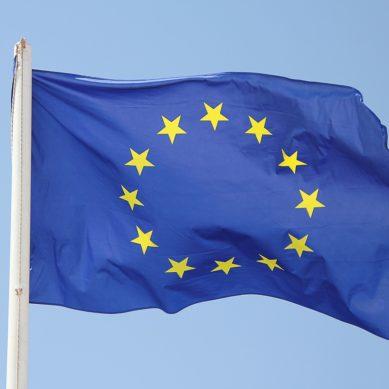 Puhkaiseeko aurinkopaneelien hinta Euroopassa lattian?