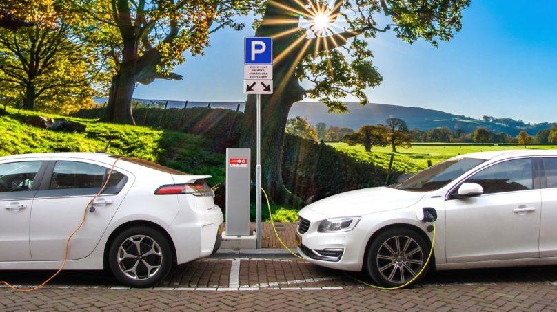 Vievätkö sähköautot norjalaiset perikatoon?