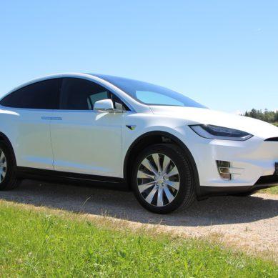 Enemmistö on kiinnostunut ostamaan sähköauton tai hybridin